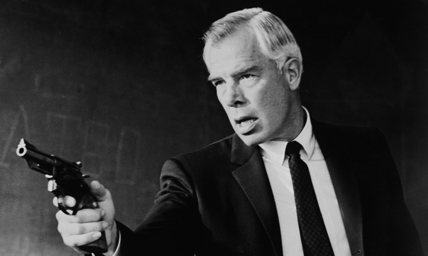Sniper On The Run Lee Marvin Shooting Point