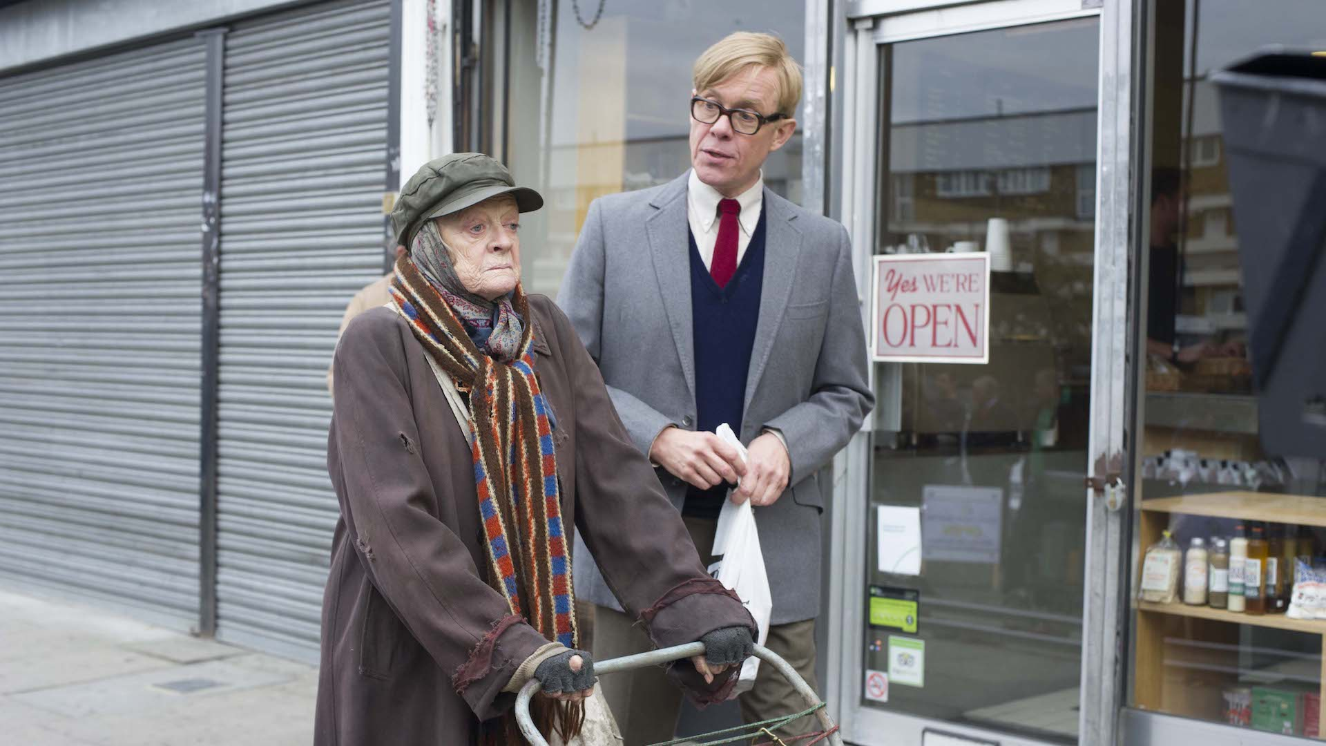Maggie Smith and Alex Jennings in Lady in the Van