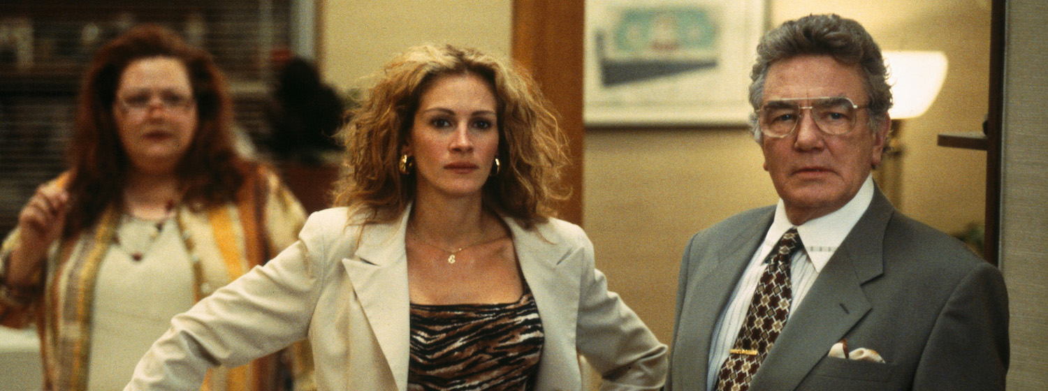 Julia Roberts and Albert Finney in Ed Masry's law office in Erin Brockovich